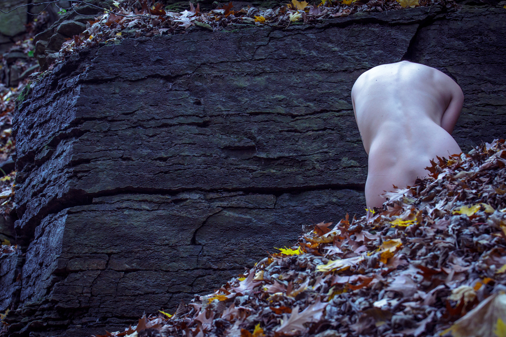 Skin.Rock.Bone, a photo series that explores the natural beauty of the body among the natural beauty of the earth.