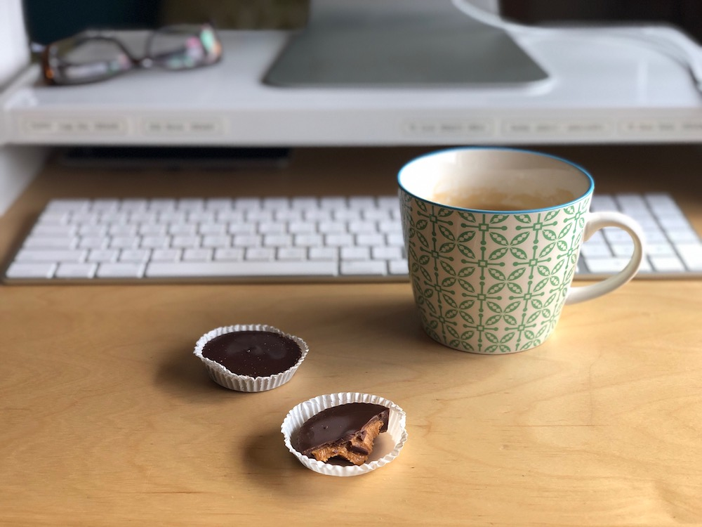 Justin's Peanut Butter Cups, I had 4 for lunch! ・440 Cals