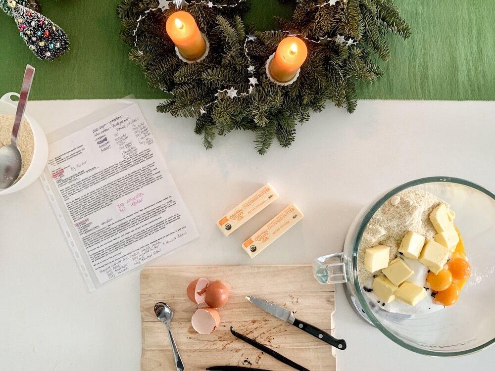 German Christmas Cookies・Vanillekipferl and Schneeflöckchen・The Reluctant Cook