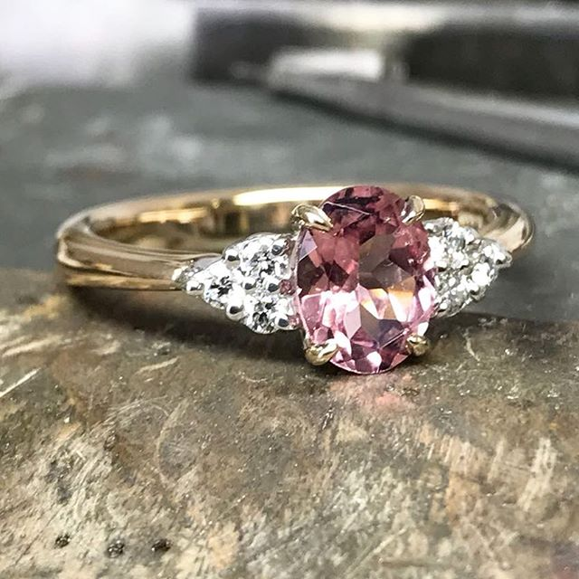 PROGRESS 🇬🇧 handmade piece all bespoke to the costumers taste! Such a joy to create in my workshop.  #bespokejewellery #goldsmith #jewellery #ring #pinkring #diamonds #finejewellery #gemstones #jewelrydesigner #mattpowelljewellery #progress #workshop #gift #present #beautiful #unique