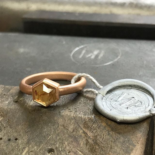 I've been pretty quiet recently as I've been setting up a new studio! This is the first piece out of it! A raw diamond ring set into 18ct rose gold. Something a bit different but I love it!  #jewellery #bespoke #handmade #madeinbritain #benchmade #raw #diamond #ring #gold #rosegold