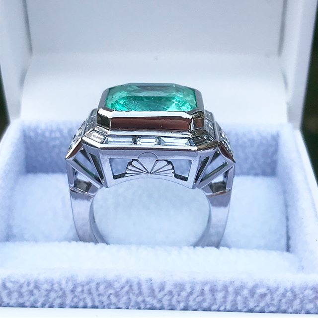 SWIPE! Very happy to be able to reveal the finished emerald ring!  After many hours of work, bespoke diamond cutting and a couple of filled down thumbs it's complete! Both I and the customer are very happy with the result.  What do you think?  #designer #jeweller #jewellery #emerald #ring #diamond #bespoke #platinum #handmade #benchmade #custom #luxury #reveal #finejewellery #jewelry #emeraldring #designerjewelry #jewellerydesigner
