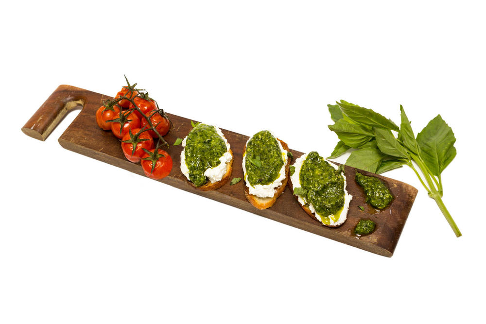 Pesto Bruschetta.jpg