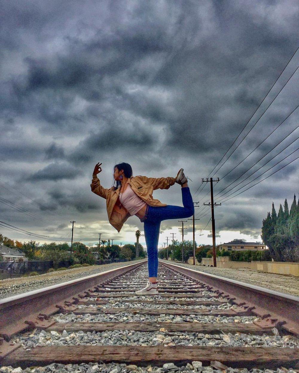 #thisiswhatayogilookslike #yogisofcolor #natarajasana (Picture taken by Ponlork Mongkoul)