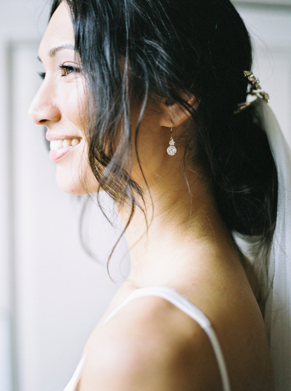 Real bride Sai in bespoke hair accessories and earrings (19).jpg