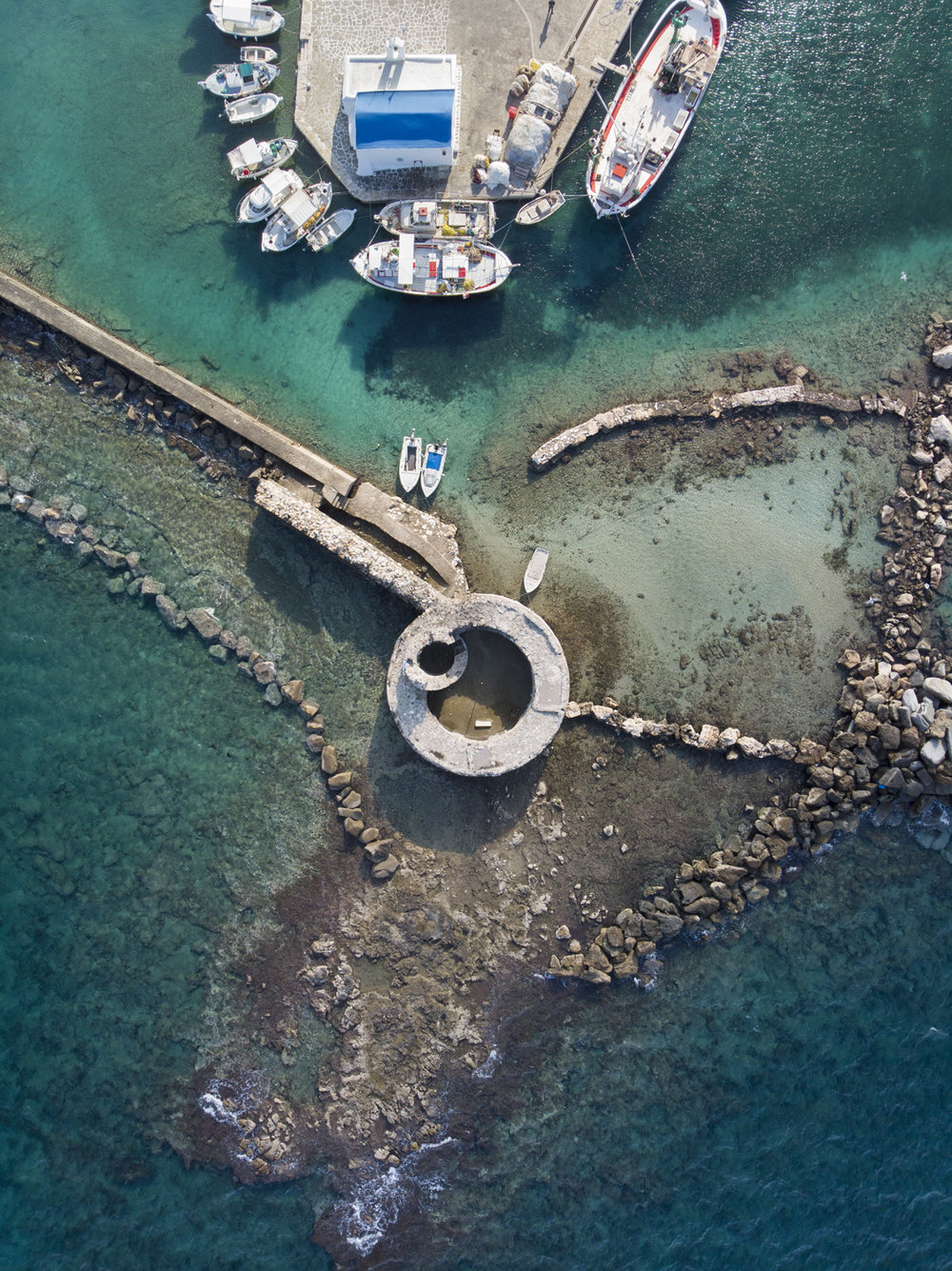 Stefanos Metaxas Naousa Paros Venetian Castle.jpg