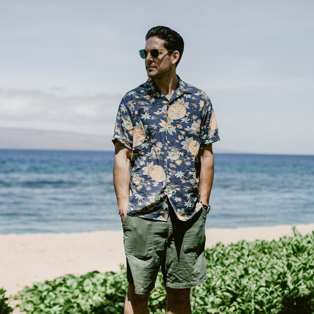 History of the Aloha Shirt worn by Outlined Cloth. Freenote Cloth Hawaiian shirt - https://freenotecloth.com/collections/mariner/products/hawaiian-pineapple-blue
