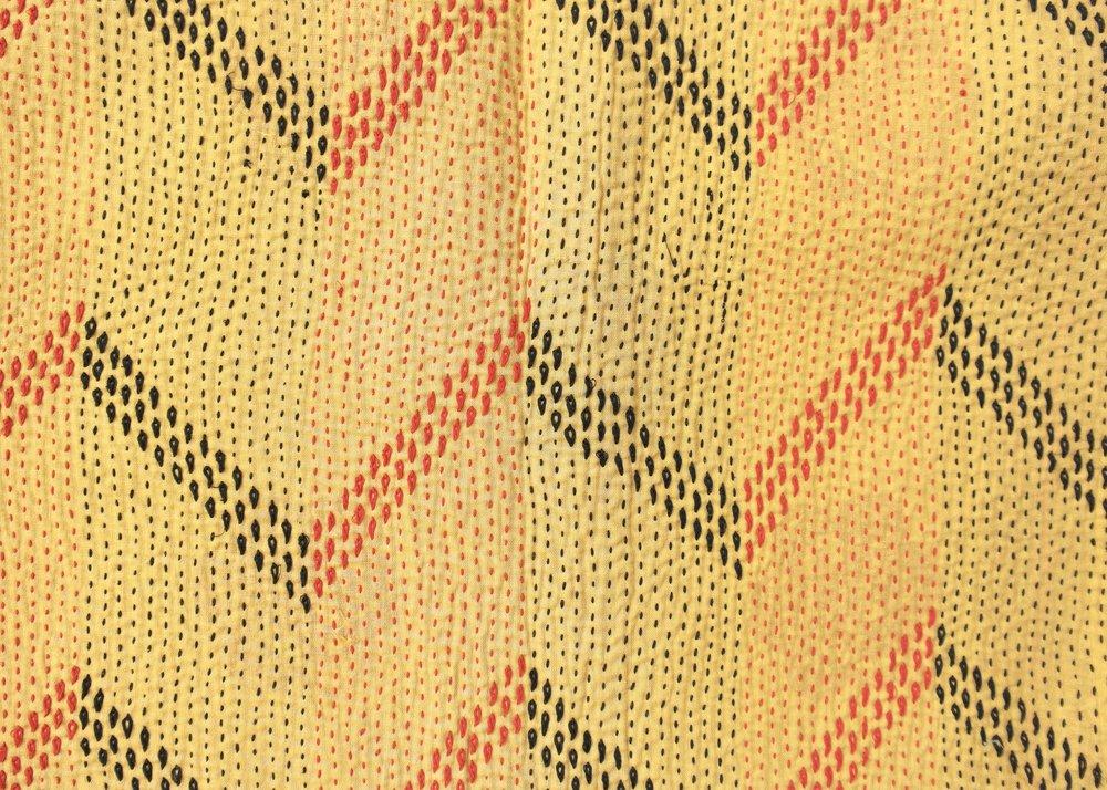 Kantha zigzag pattern