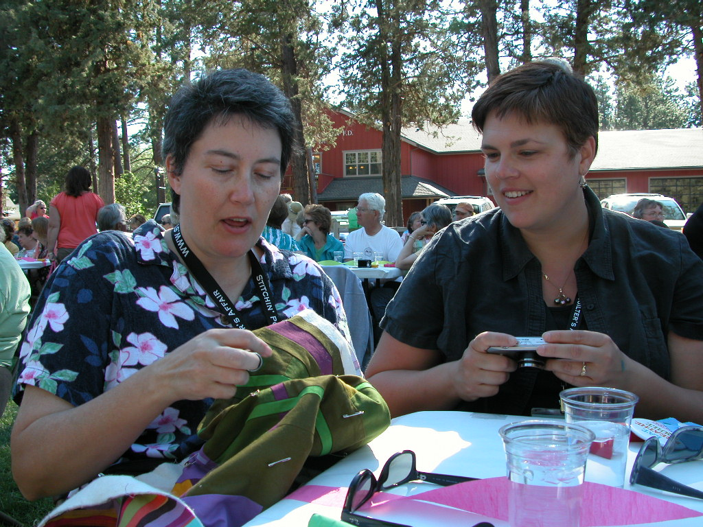 Friday night Picnic in the Park- Tonya teaches the finer points of hand quilting without a hoop (1)