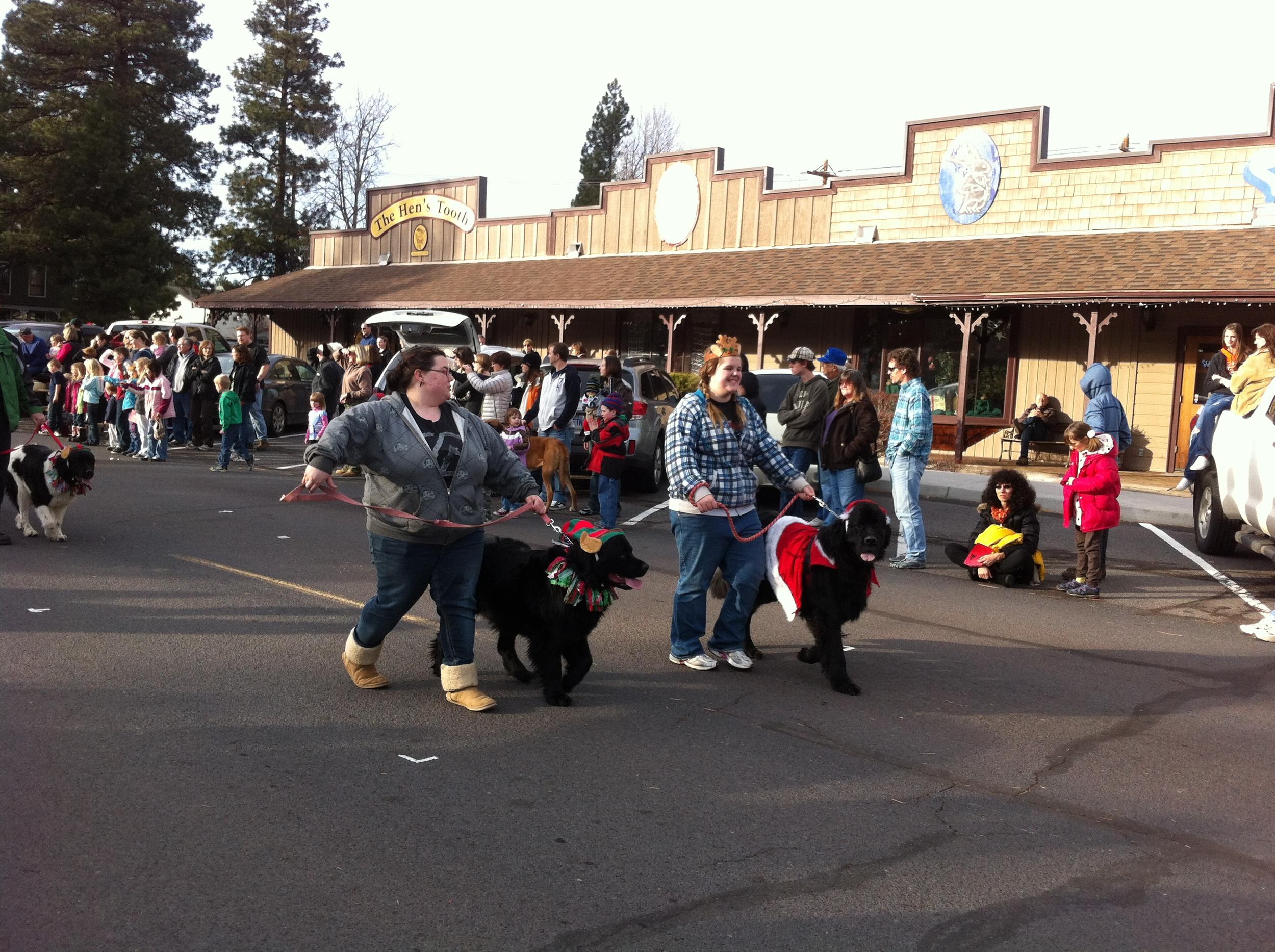 Sisters Christmas Parade (55)
