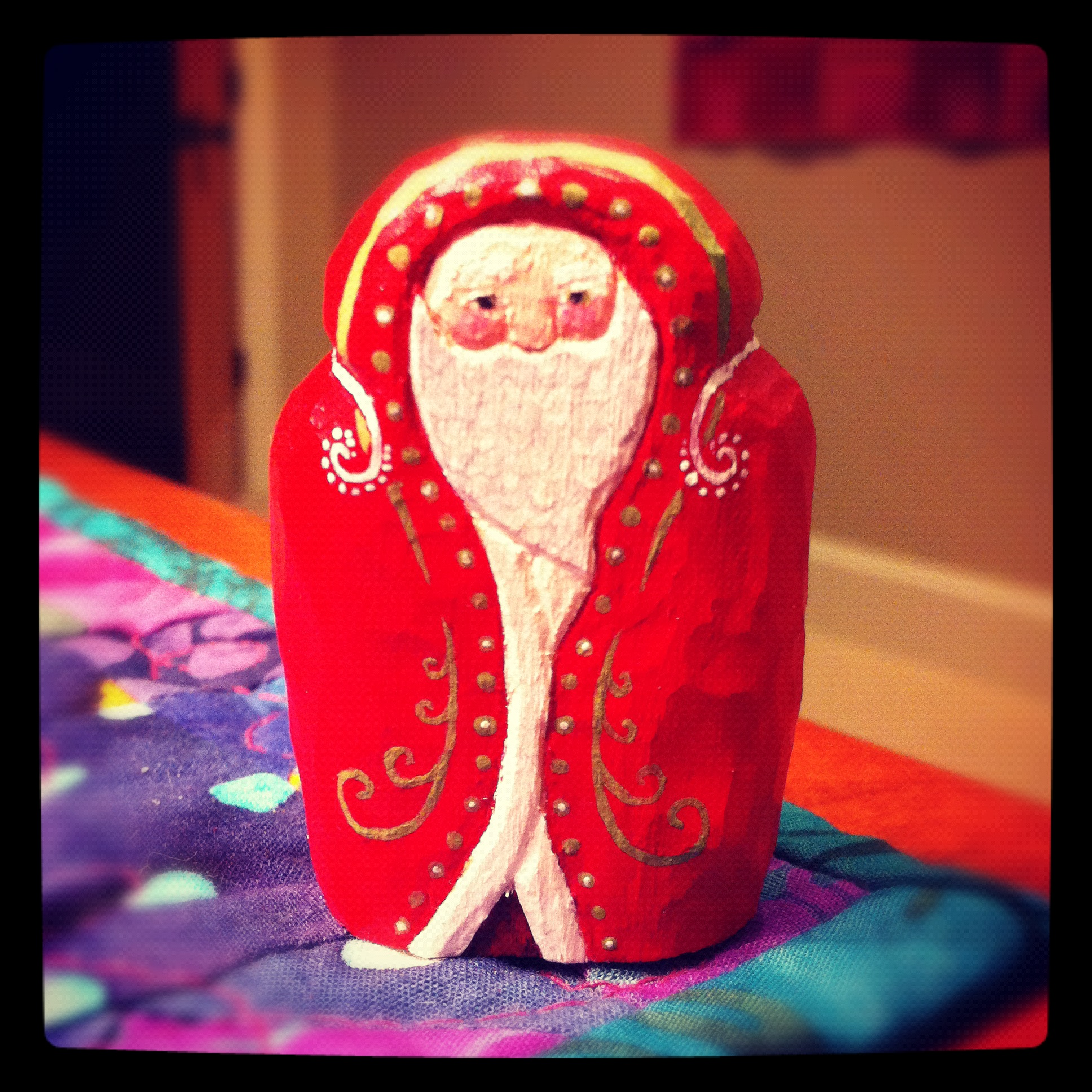 2011 Hand carved Santa by Chloe (1)