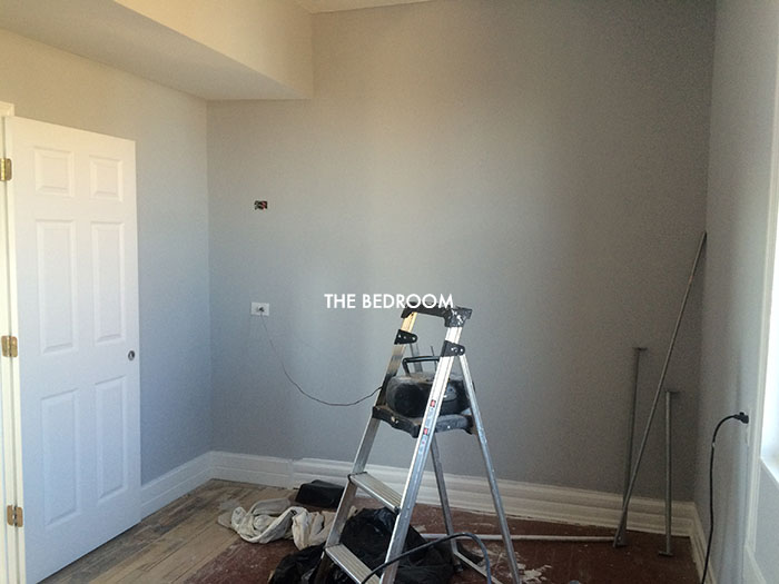 alaina-k-wicker-park-apartment-bedroom-before.jpg