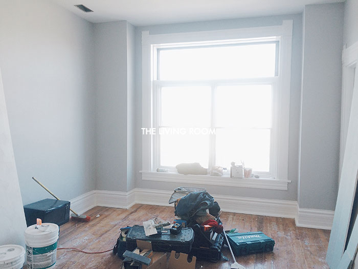 alaina-k-wicker-park-apartment-living-room-before.jpg