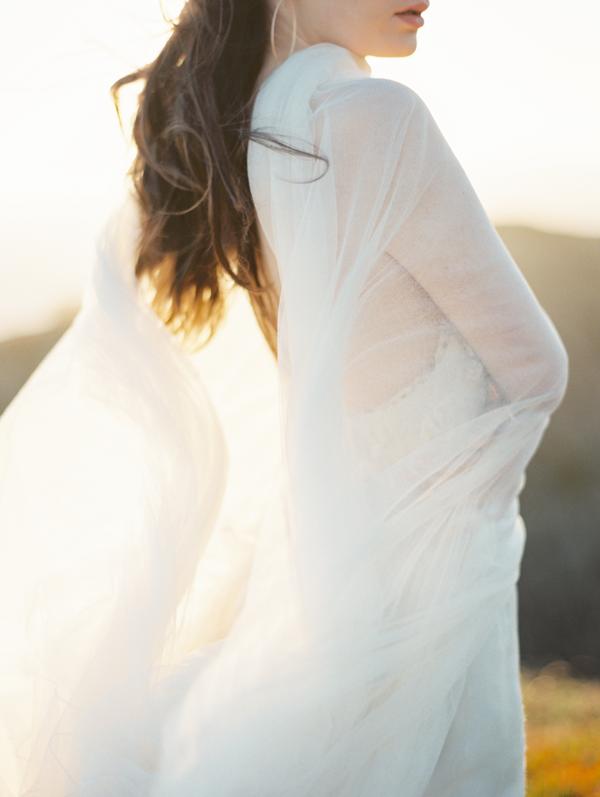 light-airy-veil-wedding.png