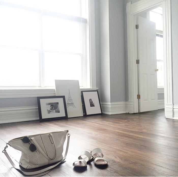 alaina-kaczmarski-living-room-styling-1.jpg