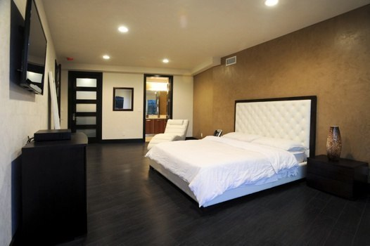 6425WeidlakeBedroom2.jpg