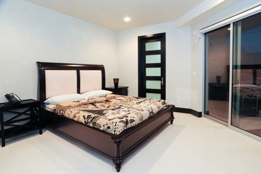 6425WeidlakeBedroom5.jpg