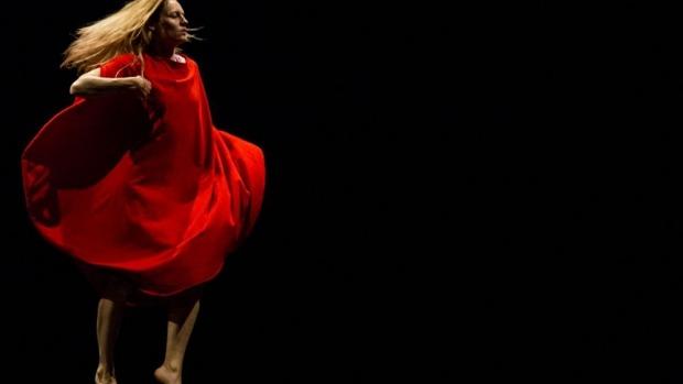 Choreographer Amelia McQueen: Lorna Sim Photography