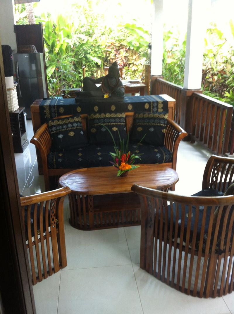 V10 Living room.JPG