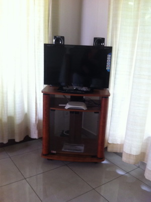 V9+Flat+screen+tv,+dvd+&+stereo.JPG