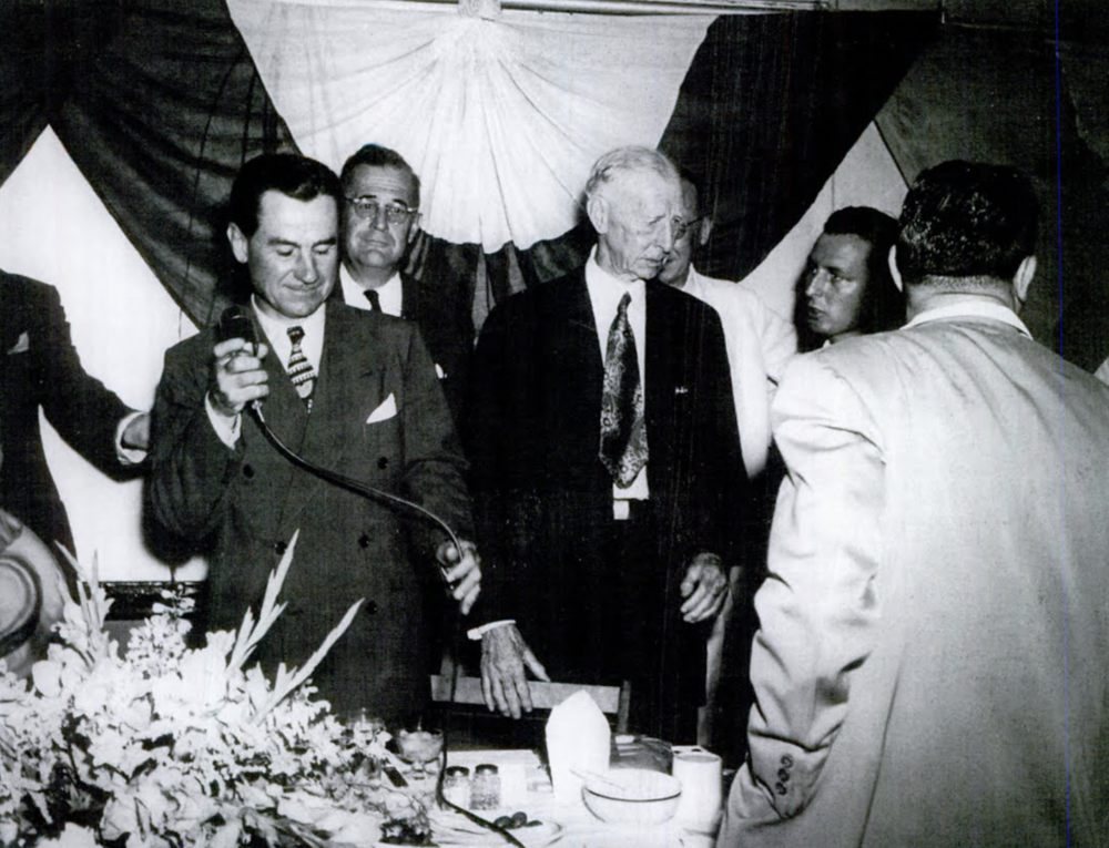 Connie Mack attends dinner in Hartford, 1951
