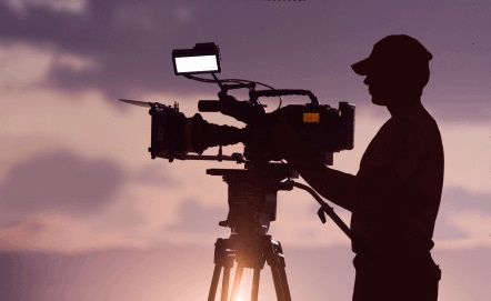 how do you vevue - 5000 TOKENS PER COMMERCIAL Do you have expertise in creating video commercials? Create a short commercial showing a Vevue use case. Please apply below for approval to complete this task.