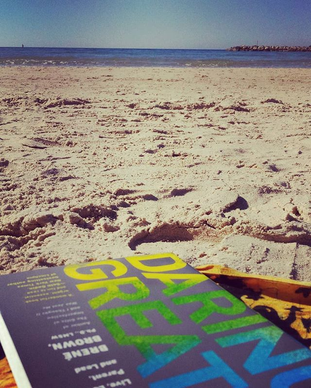 How amazing it is to hear the sound of the waves, sun warming my skin, feet in the sand and a fabulous book in hand! #daringgreatly by #brenebrown 🏖🌞📖 #yogadivingvacation #yogadivingretreat #greatread #lovethesun #grounding #ilovemylife #comebacktoyourselfretreats  #yogaeveryday #divingretreatnorthbali #mindfulliving #beachlover #youknowwheretofindme