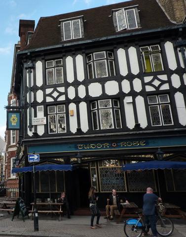 Tudor Rose; London, England; London Bar