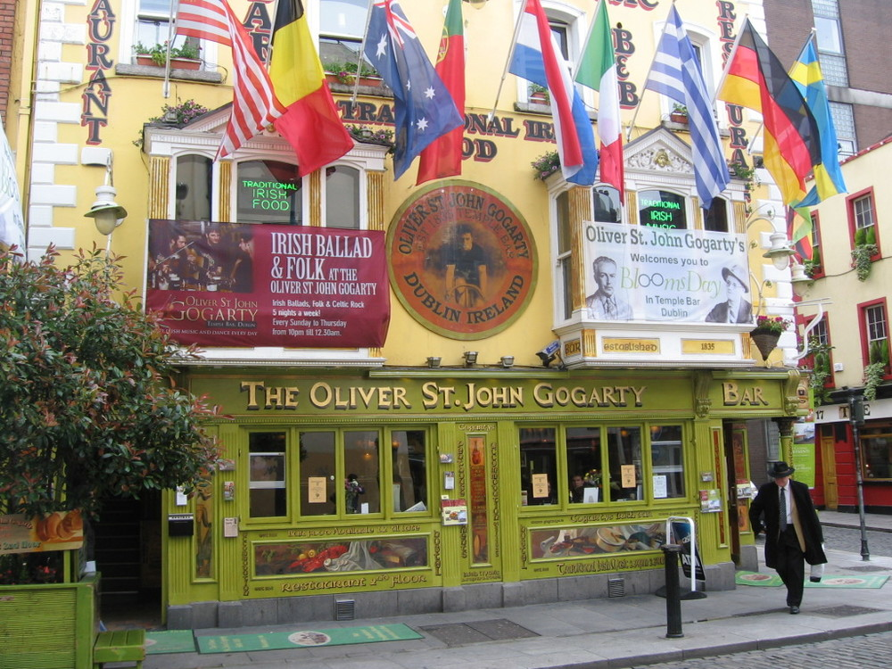 http://www.discoverireland.ie/Whats-On/temple-bar-arts-week/510488
