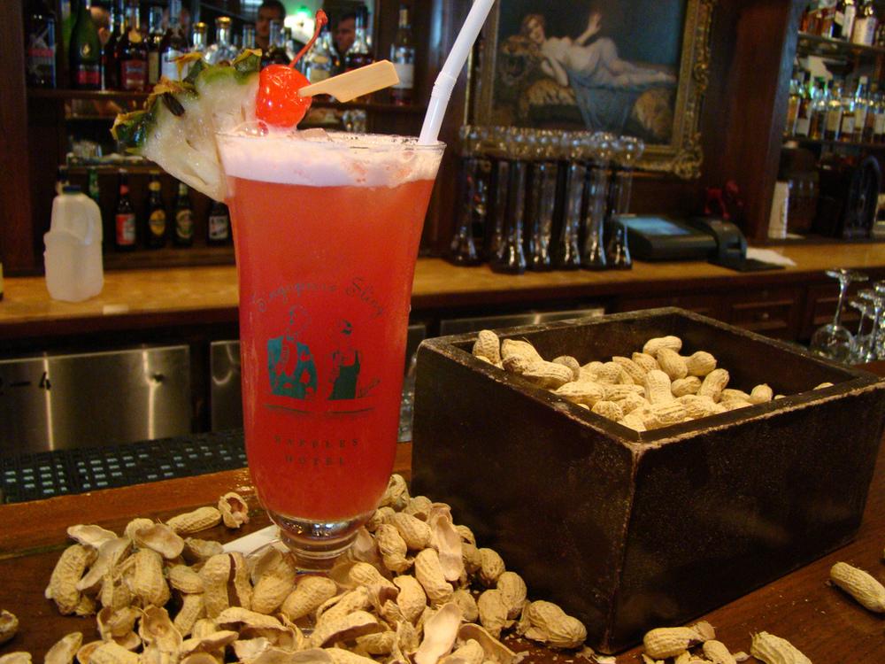 Long Bar, Raffles Hotel: Singapore