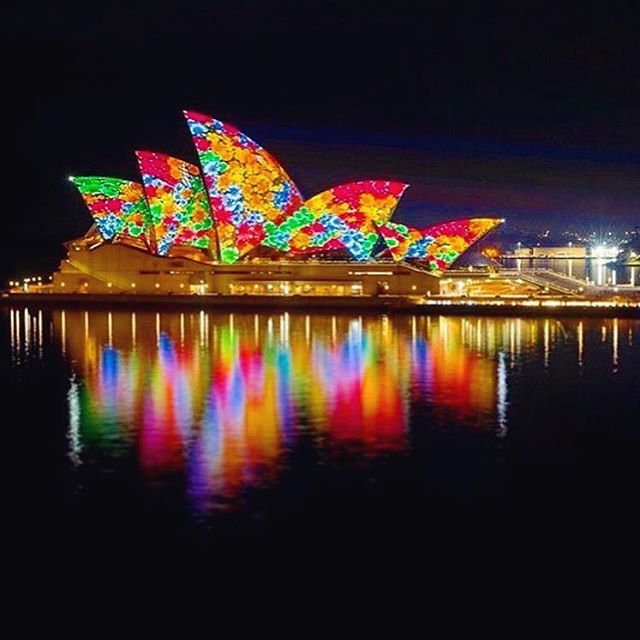 Location: Sydney Opera House, Sydney, Australia🌍🇦🇺 #allthingsabroad #ata #abroad #abroadlife #lifeabroad #studyabroad #study #student #studentuniverse #sightseeing #beautiful #beautifuldestinations #travel #travelphotography #sydney #australia #australiagram #lights #colors #australiaday