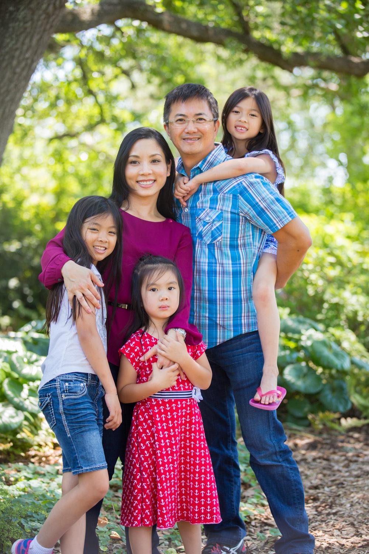 web-Trinh-Family-043-042316.jpg