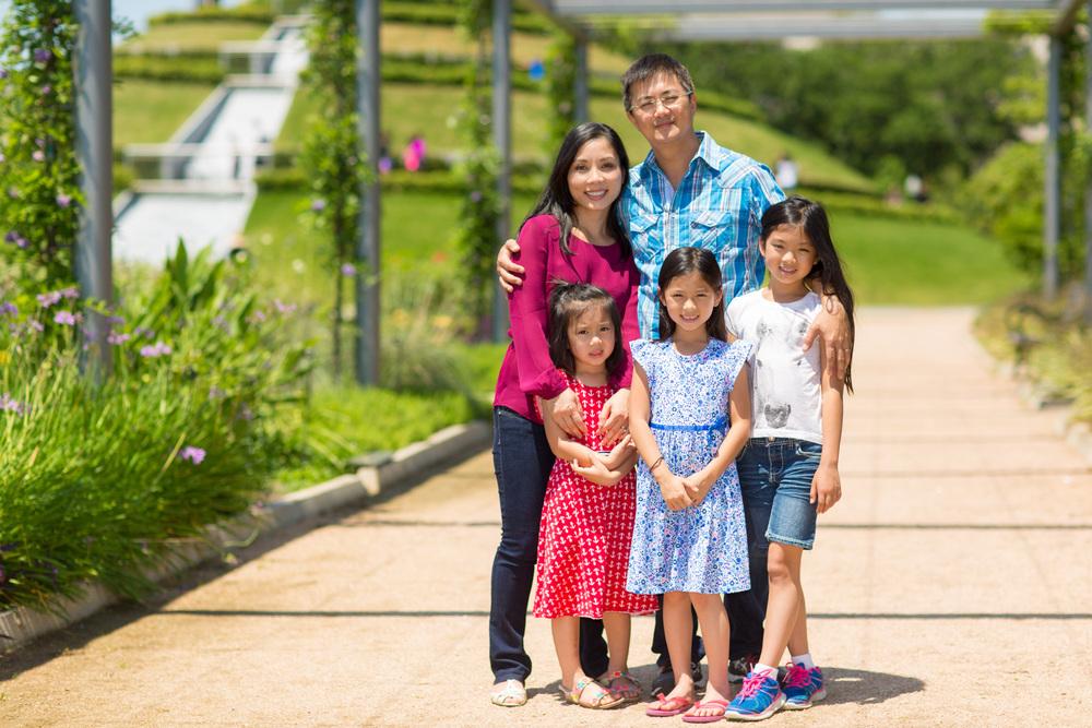 web-Trinh-Family-125-042316.jpg