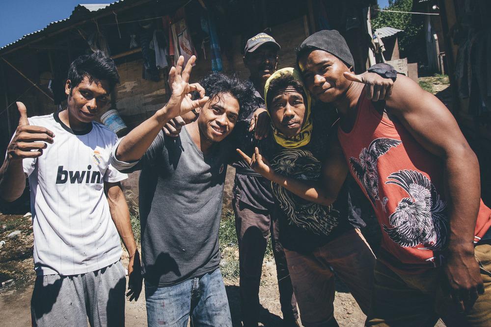 Suurin osa rakennusmiehistä on tullut Javan saarelta Balille työn perässä.