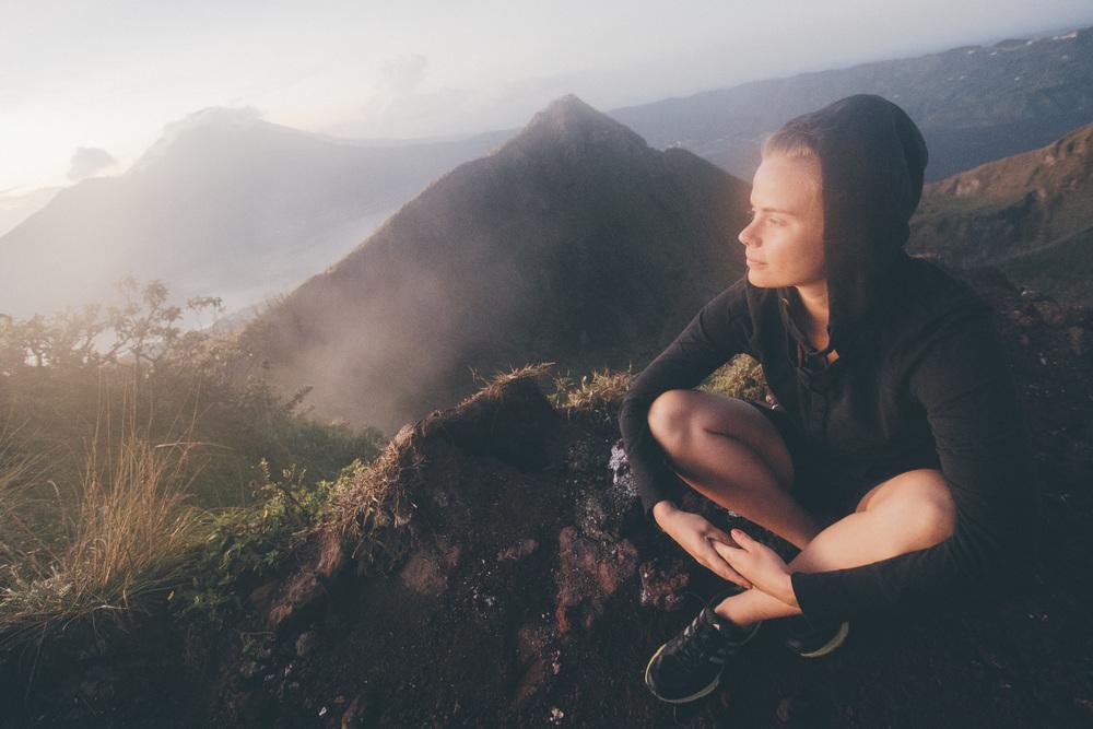 Heräsimme kello 01.30, jotta ehdimme kiivetä Mount Baturin päälle katsomaan auringonnousua.
