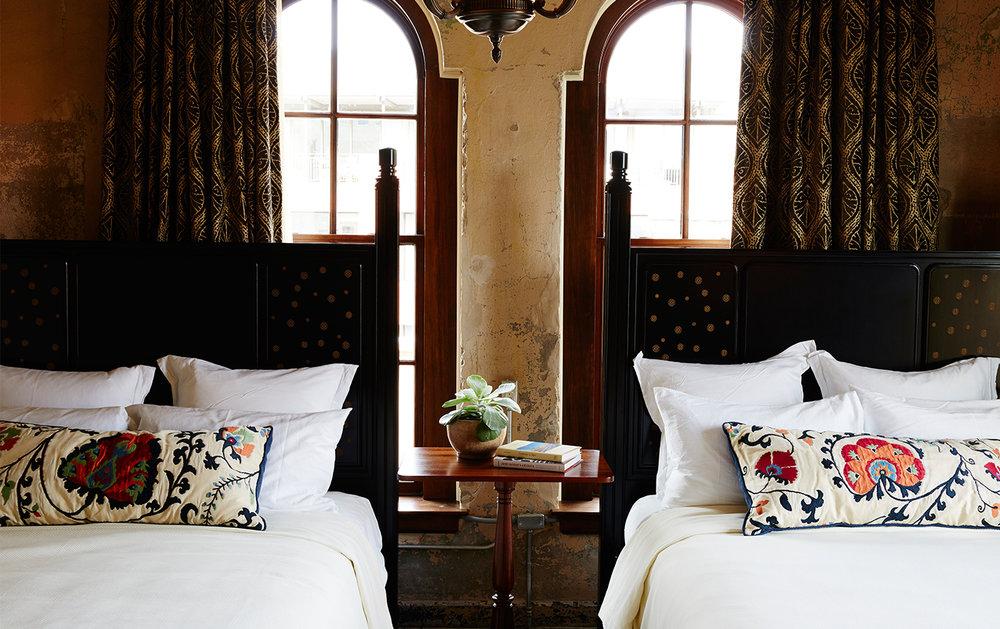 homestayatemmagallery-horizontal-beds.jpg