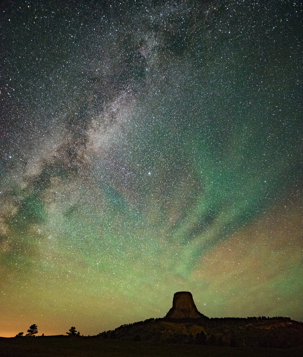 Figure 10. Devil's Tower, Wyoming. 30 seconds, f/2.8, ISO 400. Ambient temperature approximately 65 F. (Click/tap for larger view.)