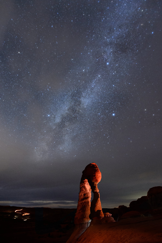 Delicate_Arch,_Milky_Way.jpg