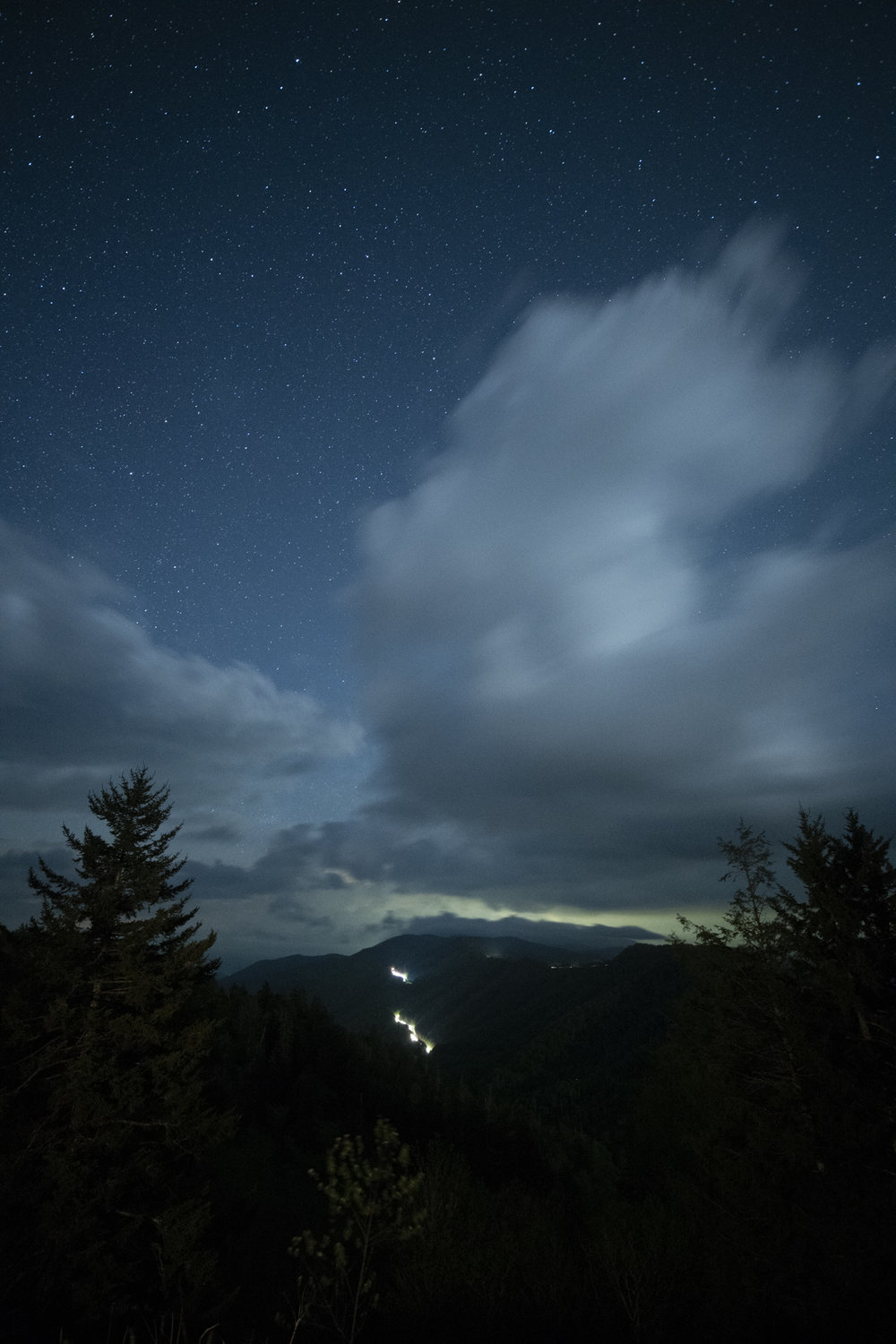 Nikon D750 ,  Zeiss 15mm Distagon f/2.8 . 22 seconds, f/2.8, ISO 6400.
