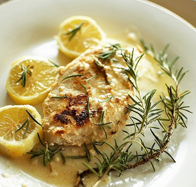 Rosemary Lemon Chicken made with fresh herbs straight from our garden. Don't forget to join us Saturday, June 24th from 12pm - 4pm for the opening of #littlemountainfarmco and celebration of the life of LCpl Hunter Hogan, KIA 6-23-2012. Link in bio.  #organic #foodie #farmtotable #lowcarb #rosemarylemonchicken #lemonchicken #grandopening #rememberourtroops #notadietbutalifestyle #atkins #foodtasting #bbq🍖 #grilledchicken #cheesestuffedburgers #beer #wine #soda #icedcoffee #handmadegoods #organicsoap #essentialoils #rosemary #freshherbs