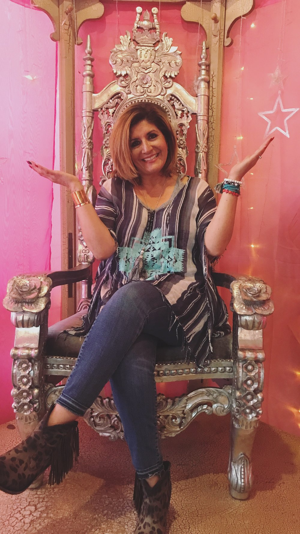 5. Find a 'Jo Mama'   - Okay, this one may be hard to find because this woman is so one-of-a-kind! But I think everyone can agree... family and friends do more for a home than all the material items inside combined. Moral of the story, don't do the fun decorating alone! NOTE: This pink glittery throne is not part of my home... although I really wish it was.