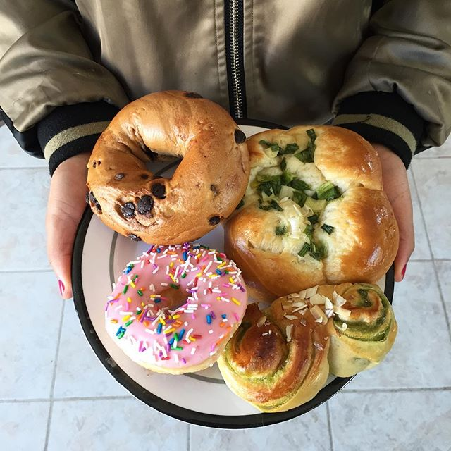 Bagles and cream or salty warm green onion bun or strawberry donut or my favorite Chinese green tea pastry. You can have whatever you like 🇺🇸 Love being home in California. Photo credit 📸: Dad