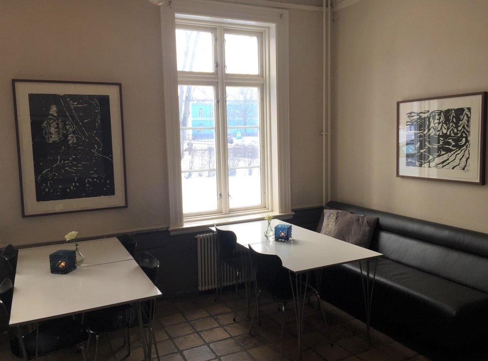 installation cafe noir red.jpg