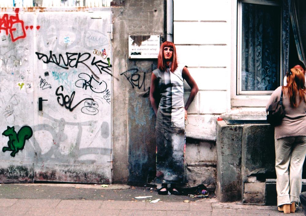 Mimesis – Was ist die Schmuckstrasse?    Arbeit von Frauke Janssen, 2003    Ort: Schmuckstrasse
