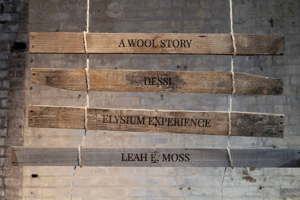 All the vendors' names were laser cut into reclaimed wood and hung on jute rope. I looved this.
