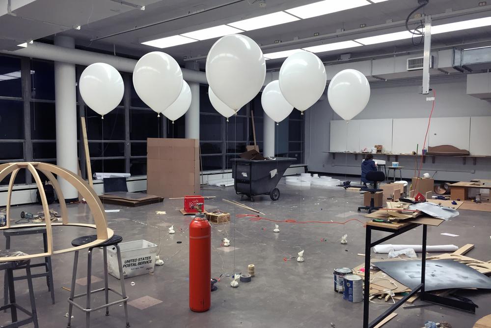 10_nine-balloons.jpg