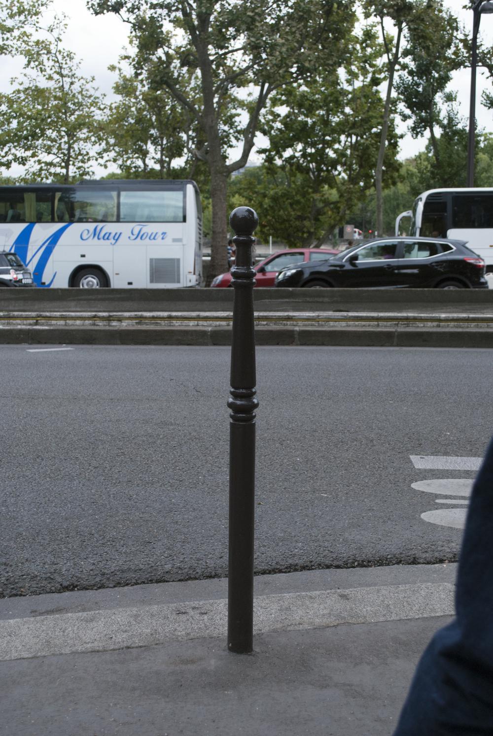parisian bollard-typ.jpg