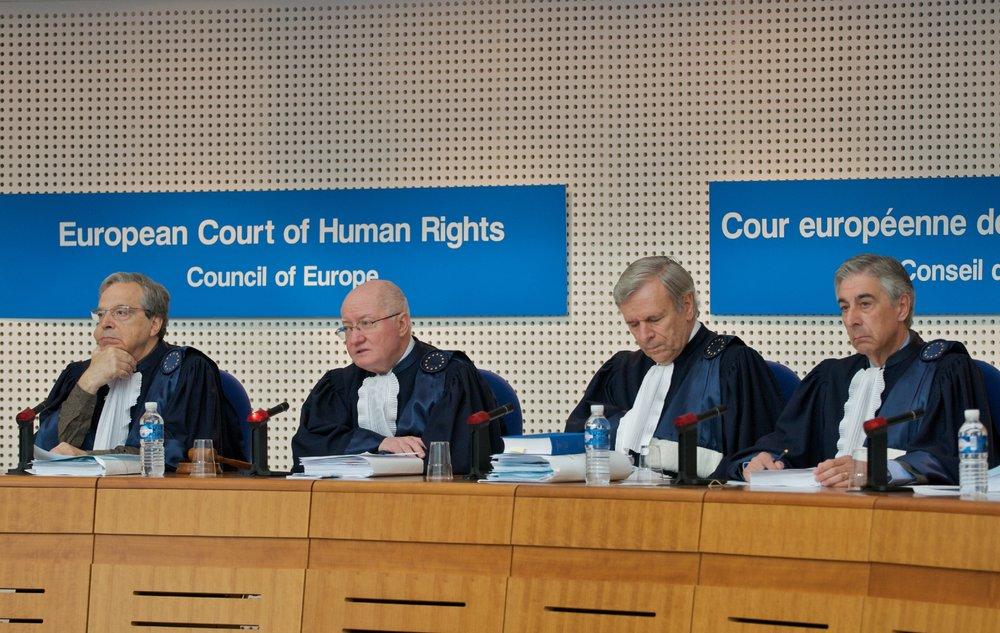 Evropský soud pro lidská práva vydal klíčový rozsudek v otázce sterilizací transgender osob. - Zdroj: EUobserver
