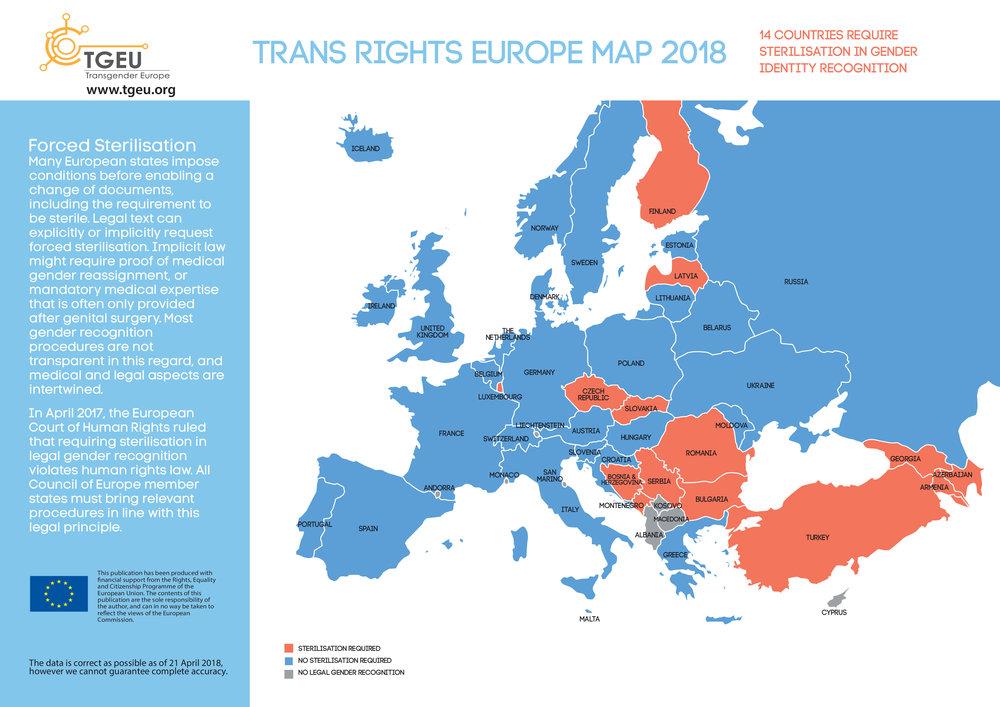 Červeně jsou vyznačeny země, které stále vyžadují po trans lidech sterilizaci jako podmínku ke změně dokladů.  Zdroj: TGEU