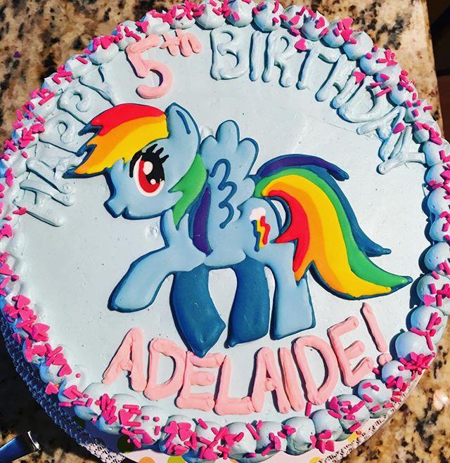A special Rainbow Dash birthday cake for a special 5 year old! #mylittlepony #rainbowdash